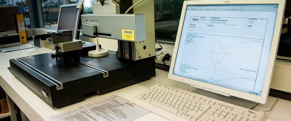 Record-Spa-produttore-di-valvole-per-pneumatici-e-minuterie-metalliche-di-precisione2